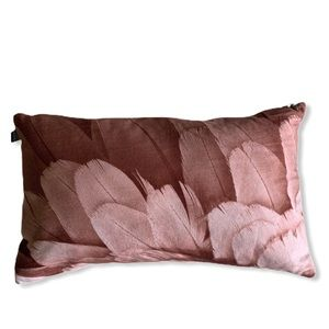 NWOT Feather Print Pillow Cover And Feather Pillow